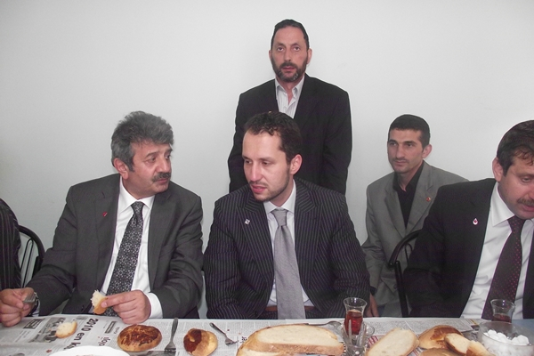 Fatih Erbakan Oflulara hitap etti