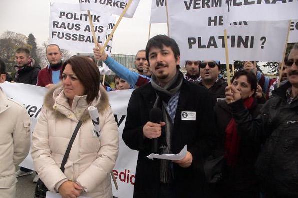 """Bordo-mavililer İsviçre'de """"şike"""" eylemi yaptı"""