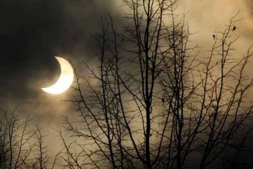 2011'in ilk güneş tutulmasından kareler...