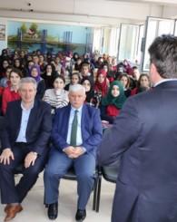 İsmail Toprak Hoca'dan Gençlik konulu konferans