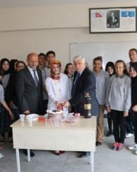 Kıyıcık Ortaokulu'nun TEOG Başarısına Kutlama
