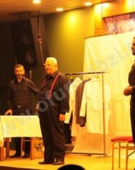 'İnadına Yaşamak' adlı tiyatroya ilgi az oldu!