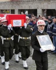 Şehit memur Mustafa Küçük ebediyete uğurlandı