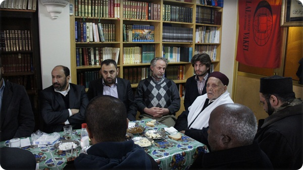 Şehit Ömer Muhtarın oğlundan Hilal Vakfına ziyaret