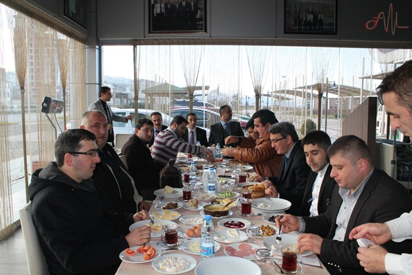 Çalışan Gazeteciler Kahvaltıda bir araya geldi