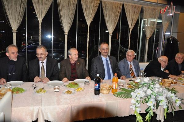 Of Belediyesi 12 personelini uğurladı