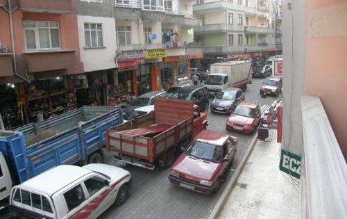 Of'ta trafik çilesi