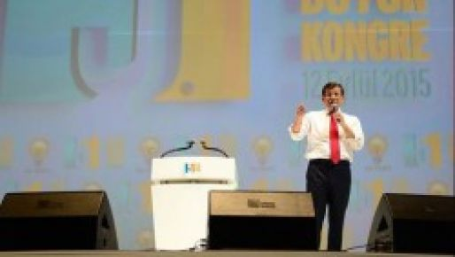 Ahmet Davutoğlu yeniden Genel Başkan