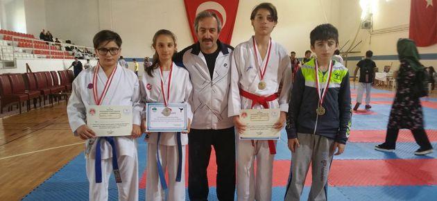 Başarıya Doymayan Of Karate Takımı!