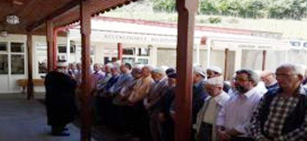 Dernekpazarı'nda gıyabi cenaze namazı