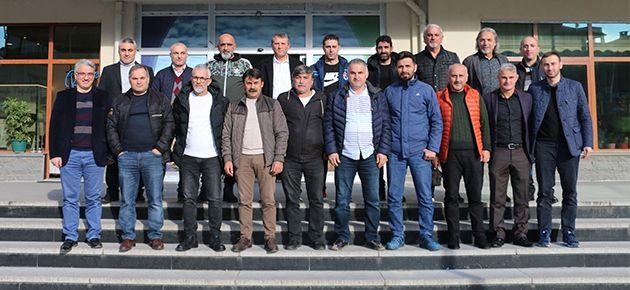 Futbolun yaşlı kurtları Of'ta buluştu