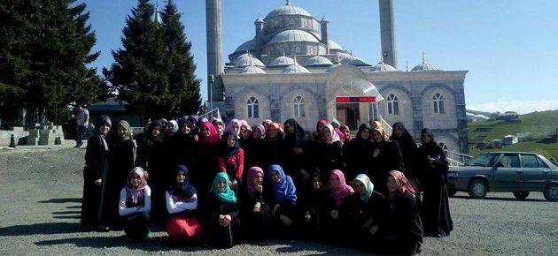 Kız Kur'an Kursu Öğrencilerinden Milli Değerler Gezisi