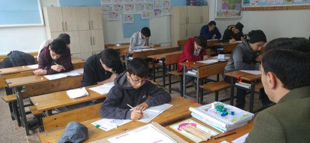 Liseli Gençler Siyer-i Nebi için yarıştı