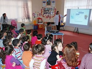 """""""Süt içirin"""" kampanyası Kireçli İlköğretimde başladı"""