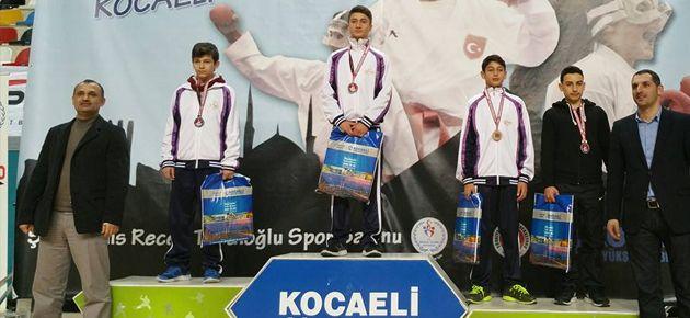 Of Karate Takımından Türkiye Üçüncülüğü