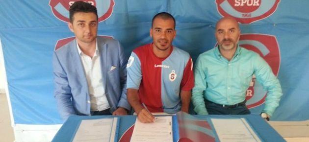 Ofspor'da İmzalar Atılıyor