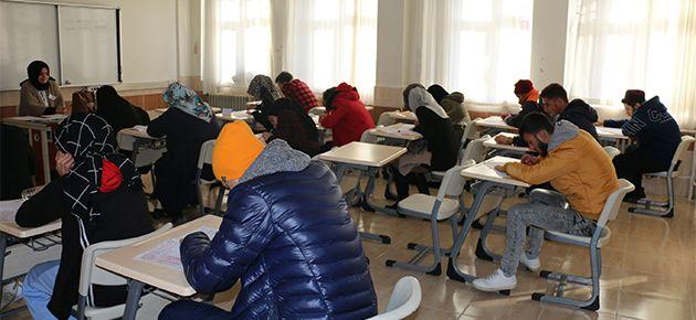Of'ta  Açık Lise sınavı yapıldı