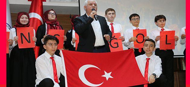 """Öğrencilerden """"vatan"""" konulu şiir programı"""