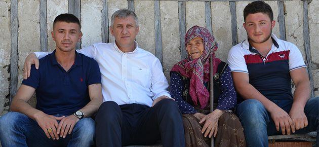 Sarıalioğlu'ndan Yaralı Askere Ziyaret
