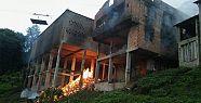 Korkutan yangın! bir ev kül oldu