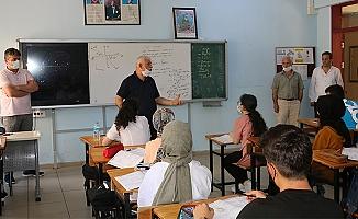 Müdür Kabahasanoğlu Of Fen Lisesi Kurslarını ziyaret etti